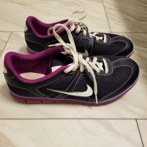 Nike sneakers. Navy 8.5